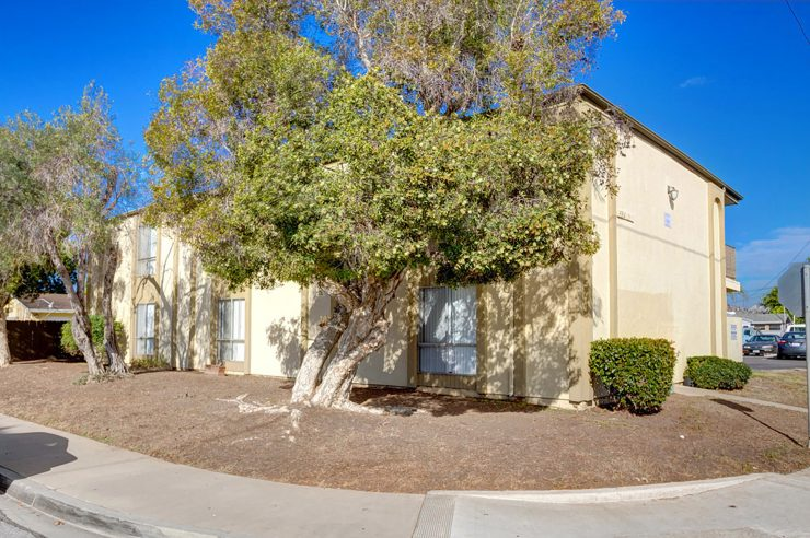 584 11th Street, 10 Imperial Beach Units Sold for $2,135,000