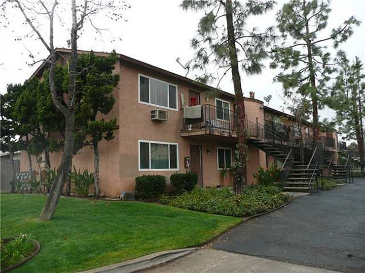 310 E Washington Avenue, 7 units in Escondido Sold for $1,800,000