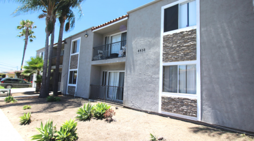 4438 56th Street, 15 Unit Multifamily Sold for $4,050,000
